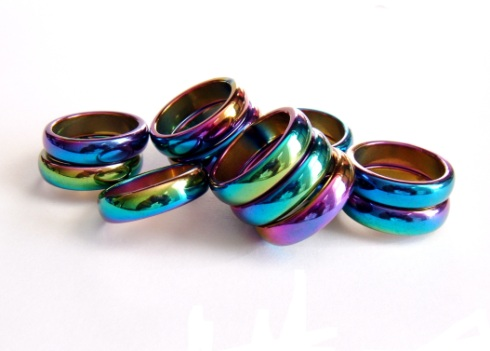 Rainbow Magnetic Rings